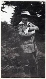 Willa Cather hiking (WildmooBooks.com) Source: Cather Archive